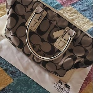 Large Coach bag includes dust bag